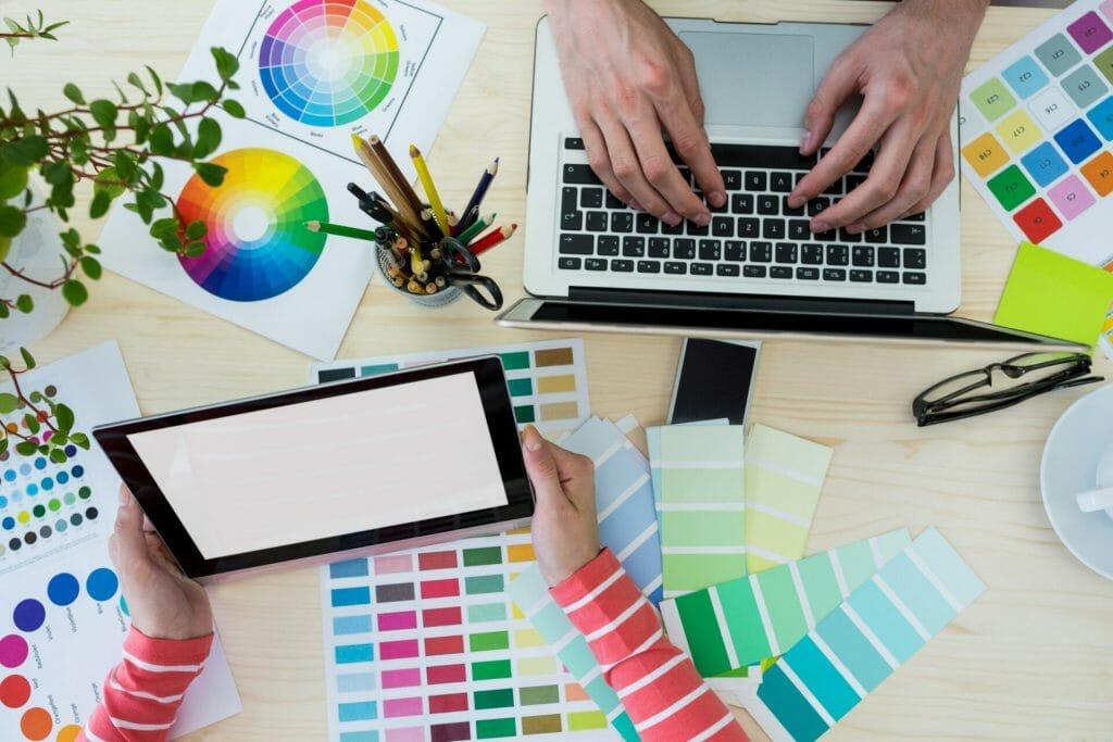 كيفية جعل تصميم الهوية البصرية للشركات ناجحة 2021
