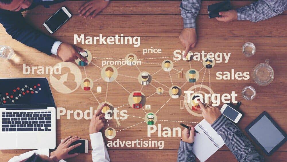 فن التسويق الالكتروني باستخدام مهارات التسويق الالكتروني الحديثة 2021